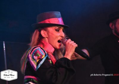 madonna_into the groove band
